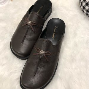 Bare Traps Brown Leather Mules.   #28